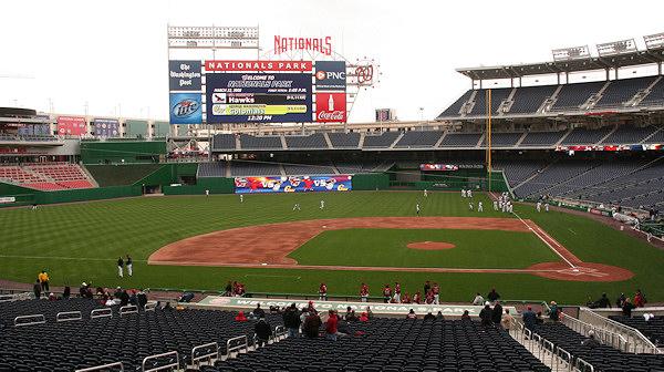 Nationals Park - estadio de los Nacionales de Washington Stadium-080322-gwgame-054