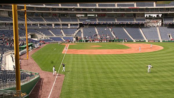 Nationals Park - estadio de los Nacionales de Washington Stadium-080322-gwgame-170
