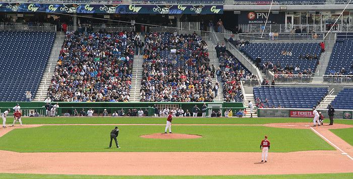 Nationals Park - estadio de los Nacionales de Washington Stadium-080322-gwgame-343