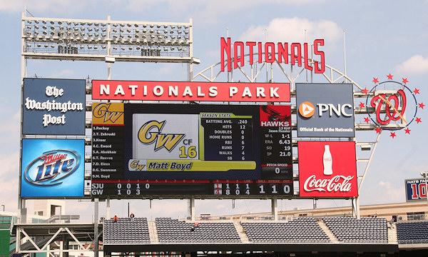 Nationals Park - estadio de los Nacionales de Washington Stadium-080322-gwgame-392