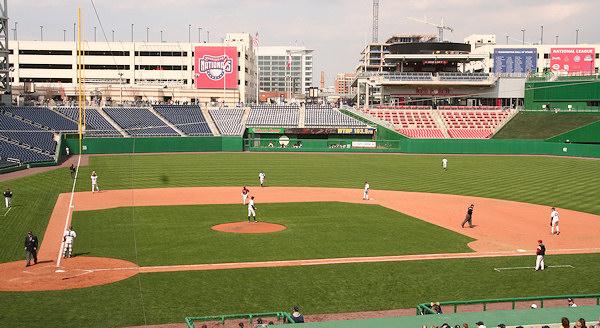 Nationals Park - estadio de los Nacionales de Washington Stadium-080322-gwgame-474