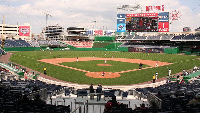 Nationals Park - estadio de los Nacionales de Washington Stadium-080322-gwgame-497