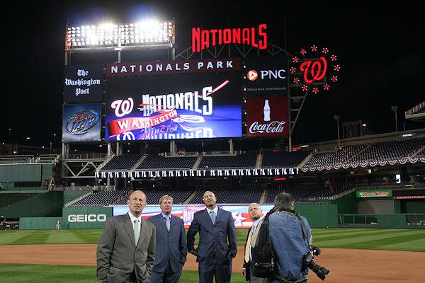 Nationals Park - estadio de los Nacionales de Washington Stadium-080327-teamhomecoming-071