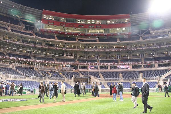 Nationals Park - estadio de los Nacionales de Washington Stadium-080327-teamhomecoming-091